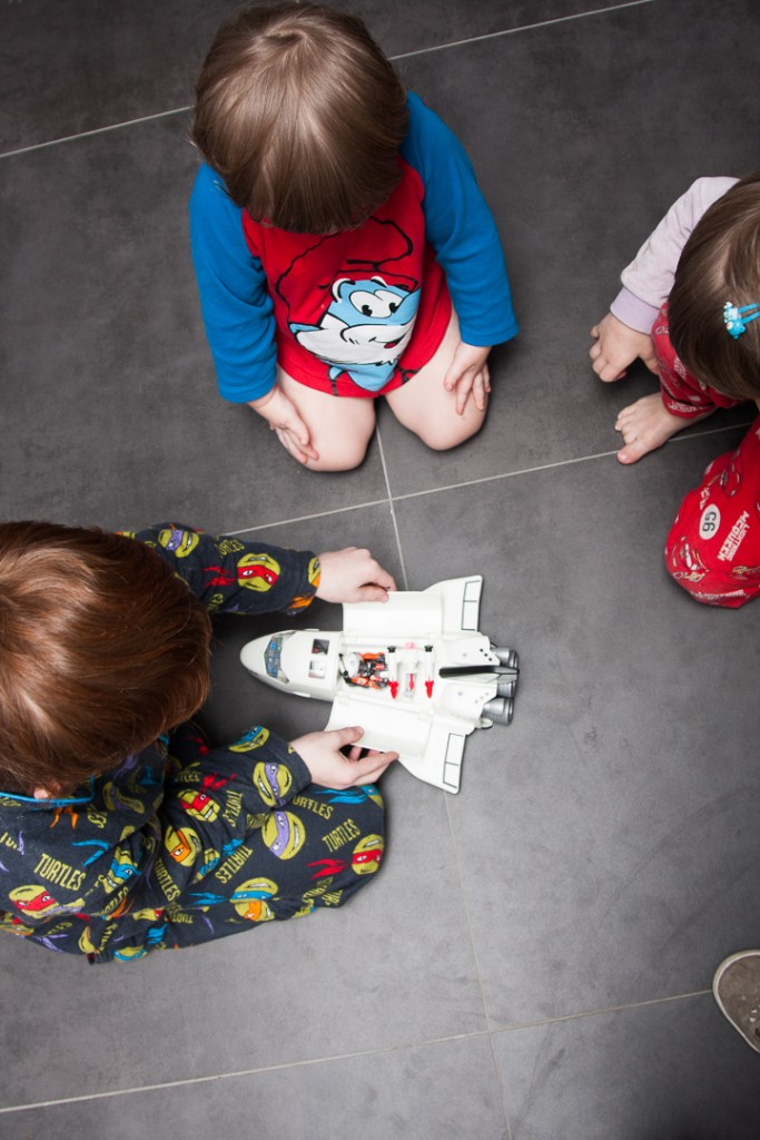 playmobil-space-shuttle-our-happily-ever-after