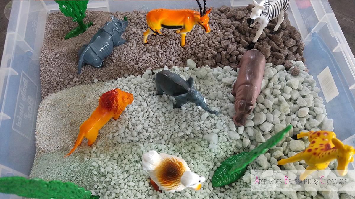 DIY Sensopathisch spelen met stenen en dieren mamaabc abc mamablog blog mama