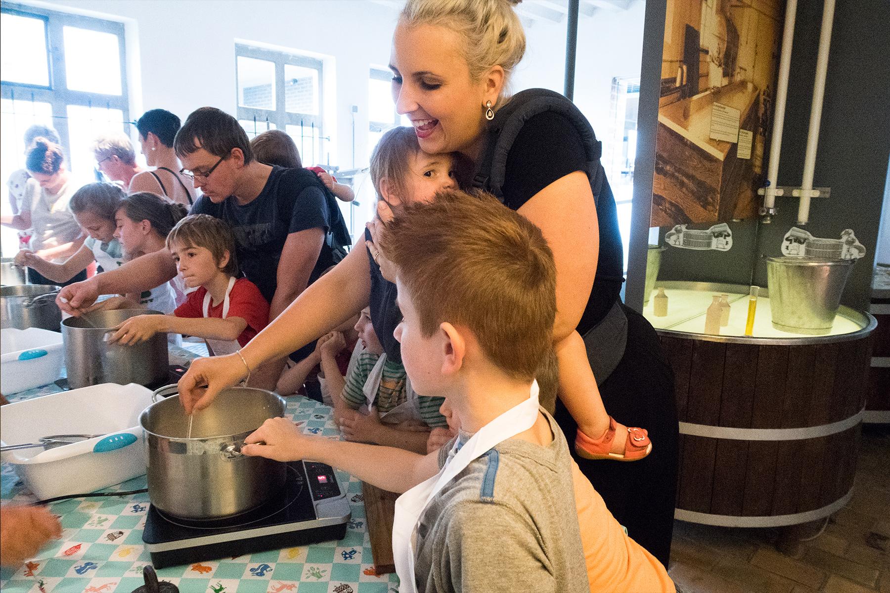 kaasworkshop kaas maken oude kaasmakerij passendaele mama abc blog