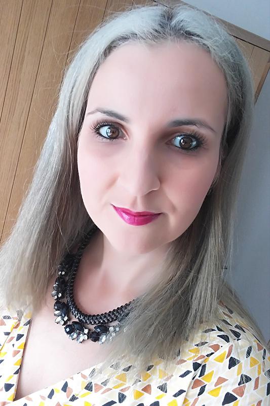 grijs haar make over mama abc