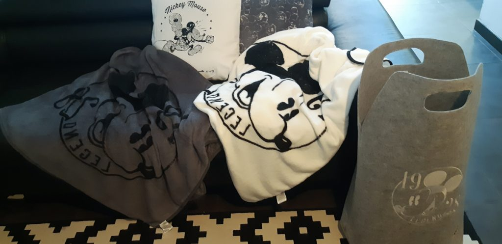 Disney Carrefour Mickey Mouse 90