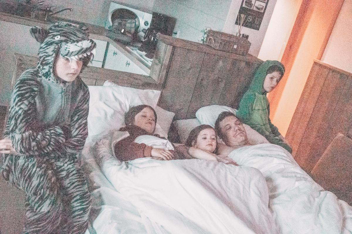 De Panne met Vijf kinderen in Regen en Wind