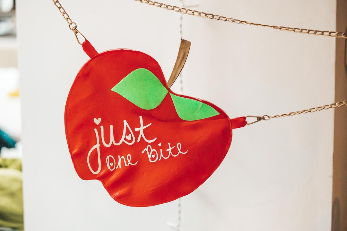 Apple Handbag DIY Snow White DisneyBound